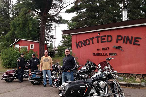 Knotted Pine Inn & Tavern open all year round