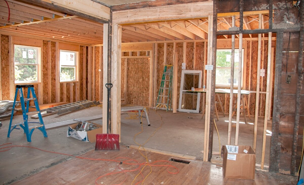General Contractors in Wolf Crossing, MI