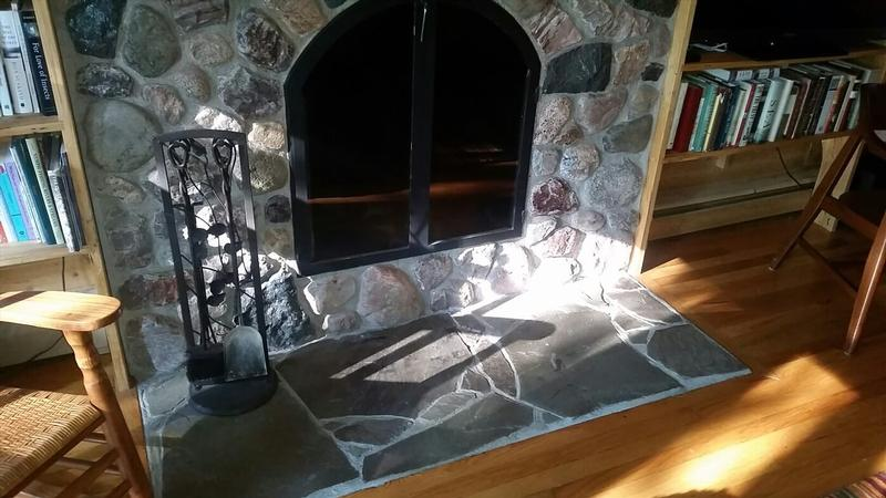 Gull Lake Stone with Irregular Bluestone Hearth